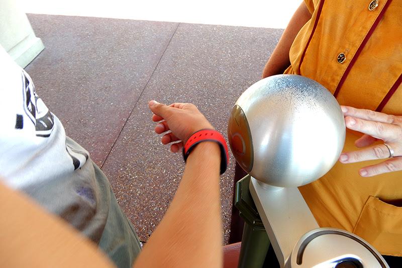 Conceptos básicos Disney Universal Magic Band Sistema System Tickets Walt Disney World como funciona Orlando itinerario viajar a Disney trucos en Disney recorrido en Disney