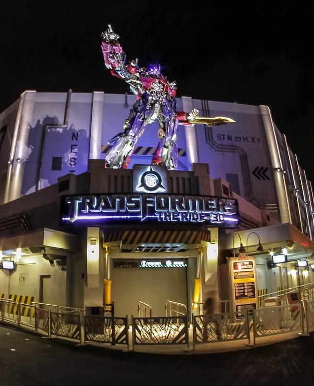Exterior de la atracción de Transformers en Universal Studios Florida